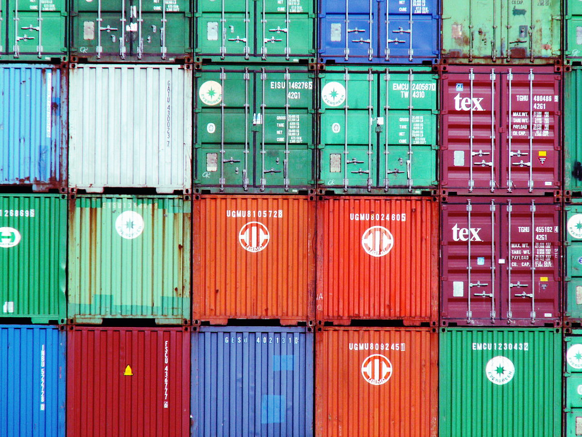 Colourful containers, by Alfvanbeem