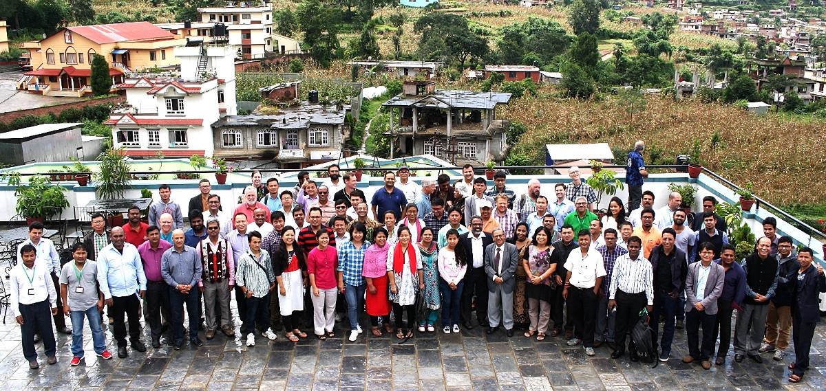 El grupo reunido en la conferencia de cuidado de la creación en Katmandú